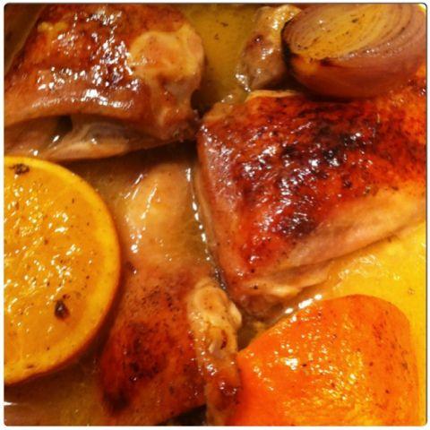 Gourmelita: Κοτόπουλο στην Γάστρα με Μπύρα και Πορτοκάλι
