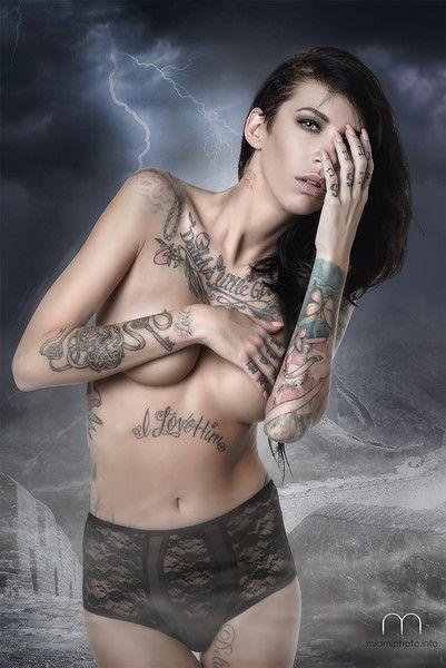 https://photos.smugmug.com/Jennifer-Lynn-Tattoo-Model/Tattoo-Model/i-7dHXQPG/0/L/Jennifer%20Lynn%20Art%20Miami%20Photo-L.jpg