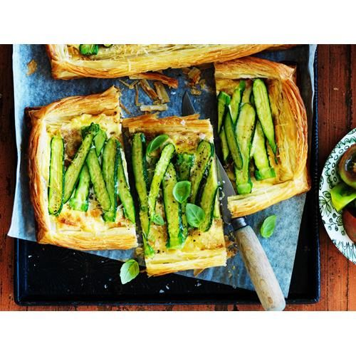 Our best zucchini recipes with everything from zucchini slice, pasta, soup, fritters, feta, muffins, salad, pasta, flowers and healthy cake.