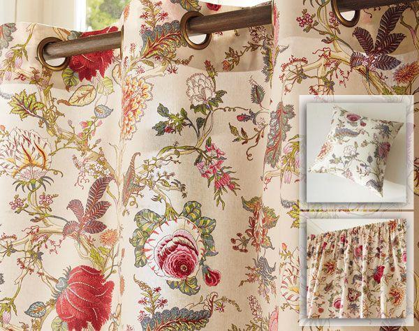Rideau et coussin à grandes fleurs perses