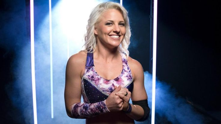 WWE officially announces the signing of Candice LeRae
