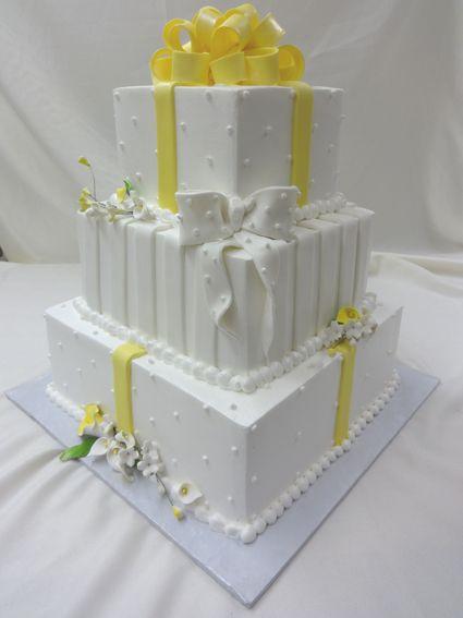 Cake Decorating Store Farmington Mi : Mrs. Maddox Cakes Package Bow: Farmington, Michigan Bakery ...