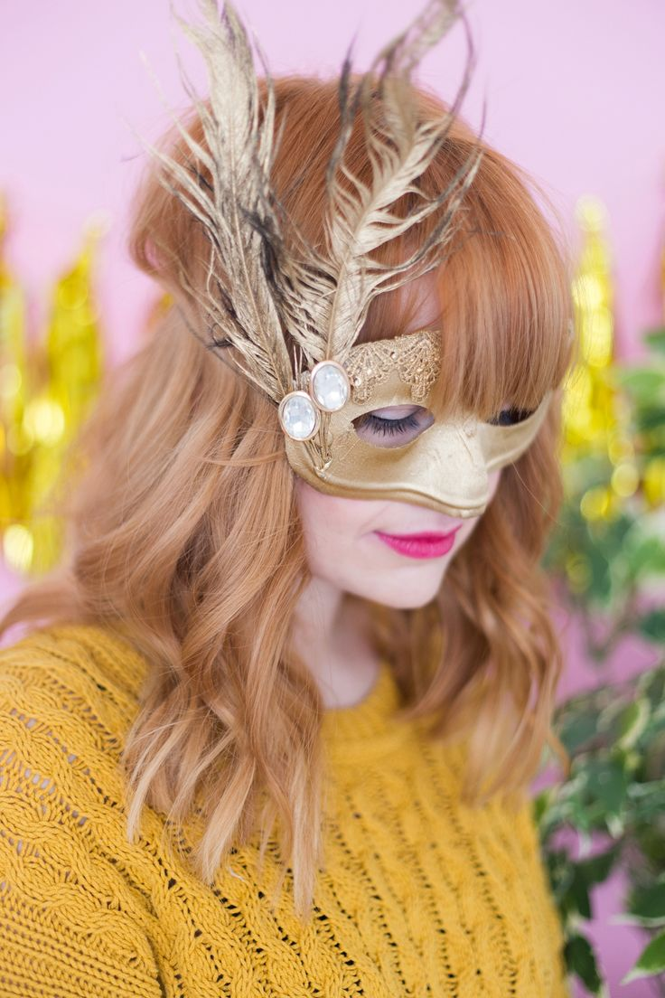Get ready to celebrate Fat Tuesday with this golden DIY.