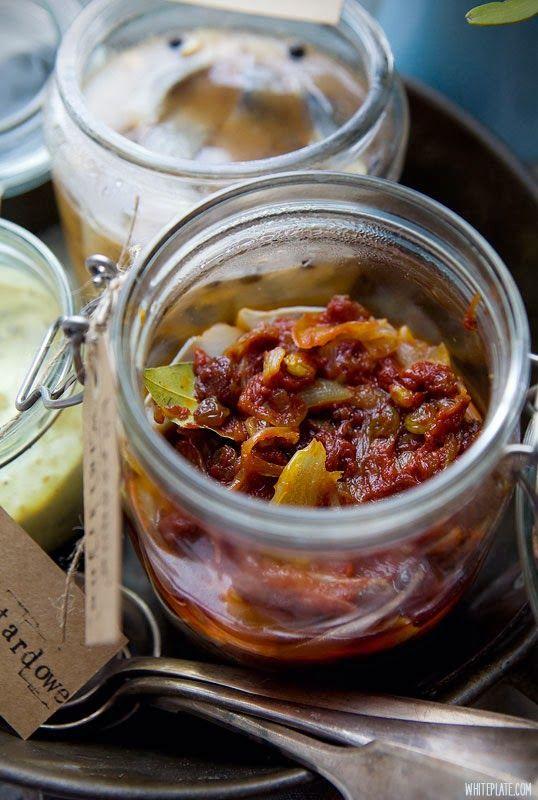 Śledzie: szwedzkie, korzenno-pomidorowe, musztardowe | White Plate