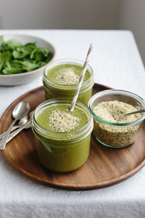 How to make the healthiest green smoothie (recipes + tips). http://Downshiftology.com