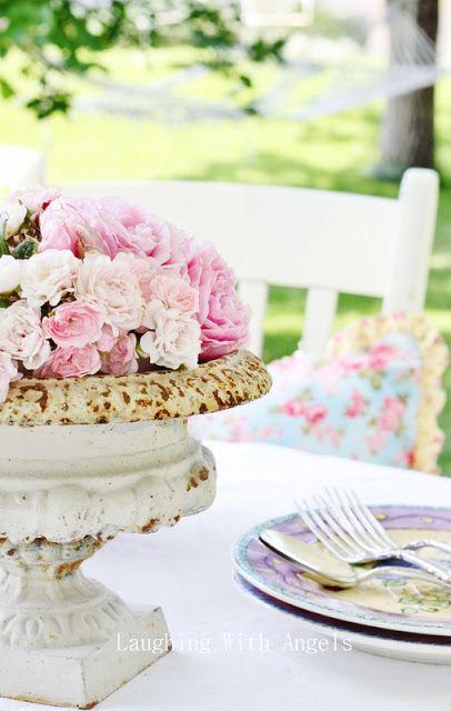 floral table urn...