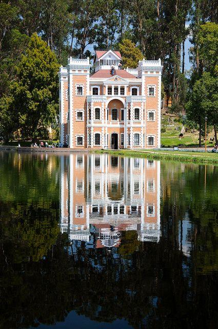 Si estas de paso por #Puebla, tienes que saber que allí tienes cientos de increíbles atractivos turísticos para conocer. Uno de ellos es la increíble #Hacienda #Chautla, donde podrás apreciar bellas edificaciones y parques encantadores.