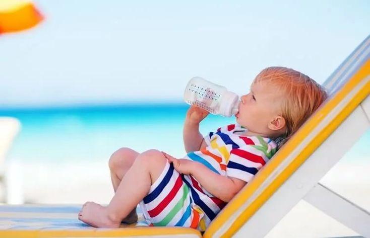 картинки ребенок на море с бутылочке: 8 тыс изображений ...