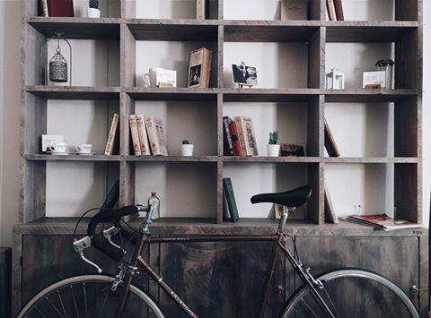 Ανήκετε σε αυτούς που είναι με ένα βιβλίο στο χέρι ή μήπως σε εκείνους που διαβάζουν μόνο το καλοκαίρι στις διακοπές; Ένα χρήσιμο άθρο για όσους αγαπάνε τα βιβλία. http://www.epiplagand.gr/46/