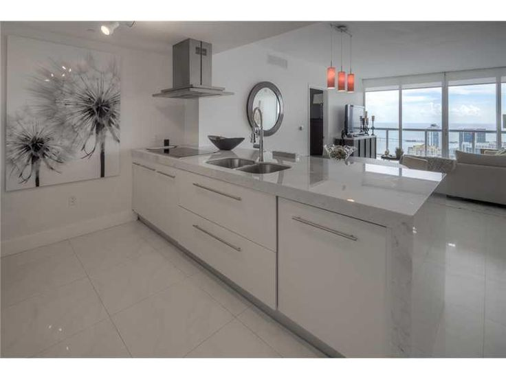 495 Brickell Ave, Unit 5505, Miami $865,000 Lowest priced direct bay view. 2bed + den. Highly upgraded with Carrera marble countertops and white lacquered cabinets, Nest thermostat, 24 x 24 porcelain floors, window treatments, upgraded light fixtures. Exceptional value. Best line. Den can be converted into 3rd bedroom. Don't miss this gorgeous home! Call Jon to show (786) 383-ICON (4266) #iconbrickellcondo #iconbrickelltoprealtor #miamiluxuryliving #miamipenthouseliving #jonmanngroup
