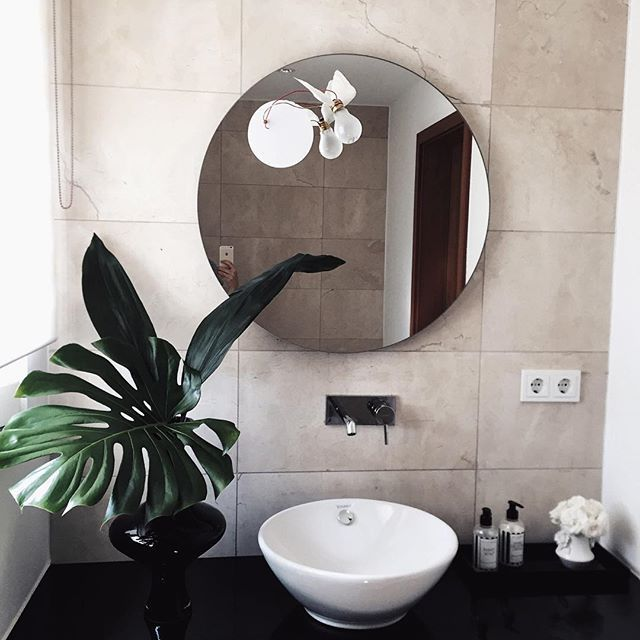The Laundress Handsoap and Apres Laundrey Cream spotted! This minimalist bathroom wouldn't be complete without some Laundress love. Our signature black and white packaging will go perfectly with any bathroom!
