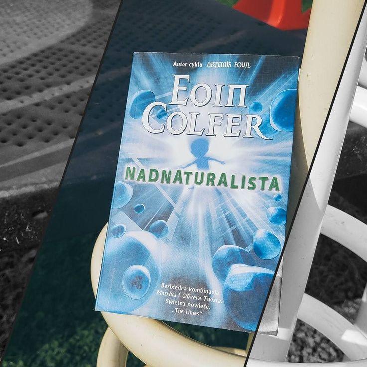 """""""Nadnaturalista"""" Eoina Colfera to jedna z najlepszych książek które przeczytałam w tym roku (a było ich już trochę). Zupełnie nie rozumiem czemu tyle lat się do niej zbierałam.  Teraz marzy mi się powrót do cyklu o Artemisie Fowlu ale to będzie musiało jeszcze chwilę poczekać. Zbyt wiele nieprzeczytanych jeszcze książek mam na liście.  QQ: jaka książka Wam się podobała najbardziej z przeczytanych w tym roku?  #EoinColfer #Nadnaturalista #Supernaturalist #instareader #bookstagram…"""