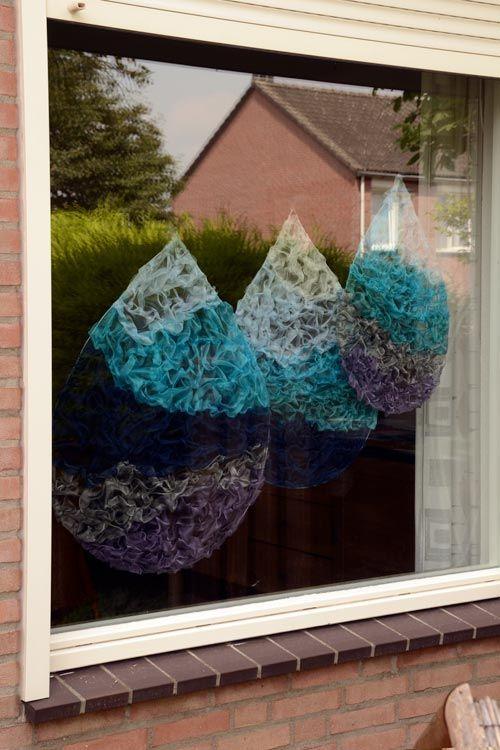 Druppel voor je raam.  Bijzonder handwerk van AtelierMD.