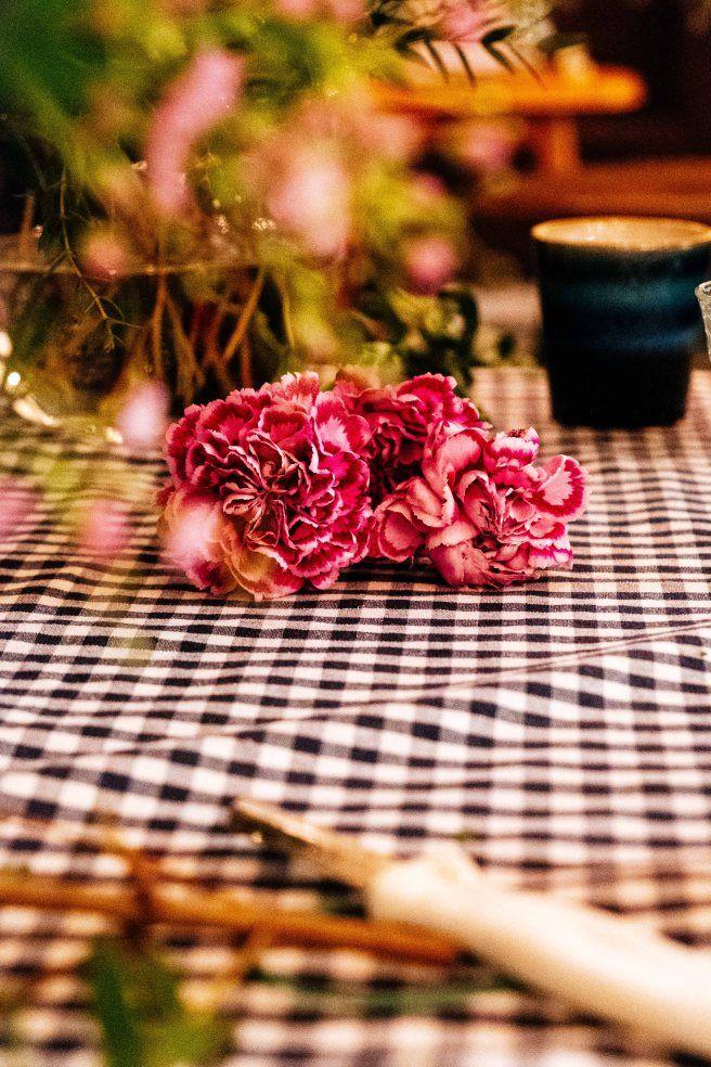 Roze anjers-Boeket maken- bloemschikken- to arrange flowers- http://www.mylucie.com