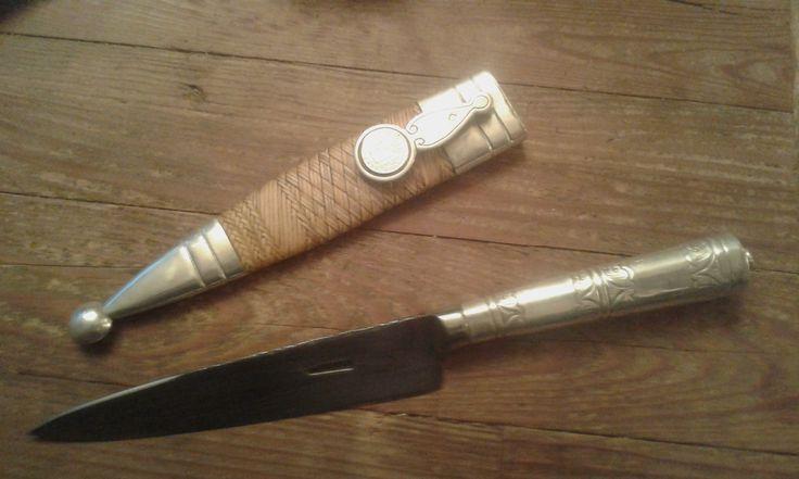 Cuchillo verijero clasico tiento de potro