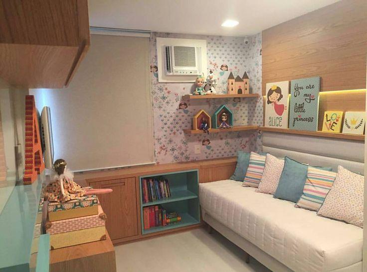 """147 curtidas, 4 comentários - IT Arquitetura (@it_arquitetura) no Instagram: """"Um quarto lindo e delicado para uma menina. O uso da madeira sempre deixa o ambiente mais…"""""""