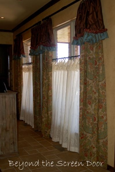 Living Room Windows Cafe Curtains And Screen Doors On