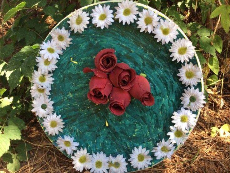Πλάκες  η πιάτο. Με θεμα με λουλούδια  στη τιμή  10 €