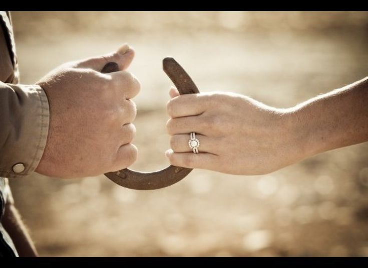 Horse shoes are the favors, pretty cool idea for a wedding shot with them