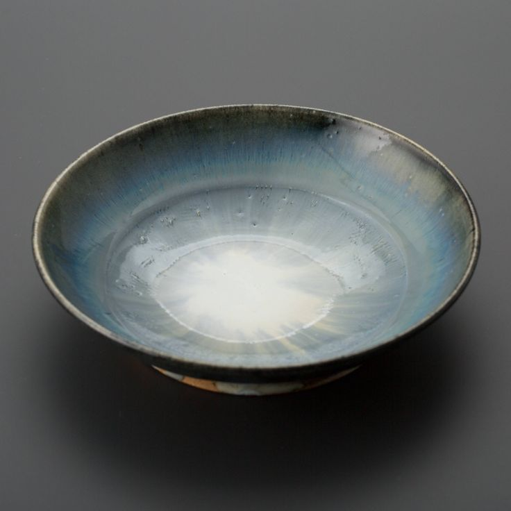 呉須巻白釉鉢 Bowl, white glaze with zaffer 2013