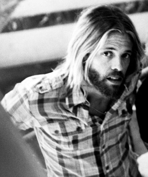 taylor hawkins - second best drummer in the world i recon.
