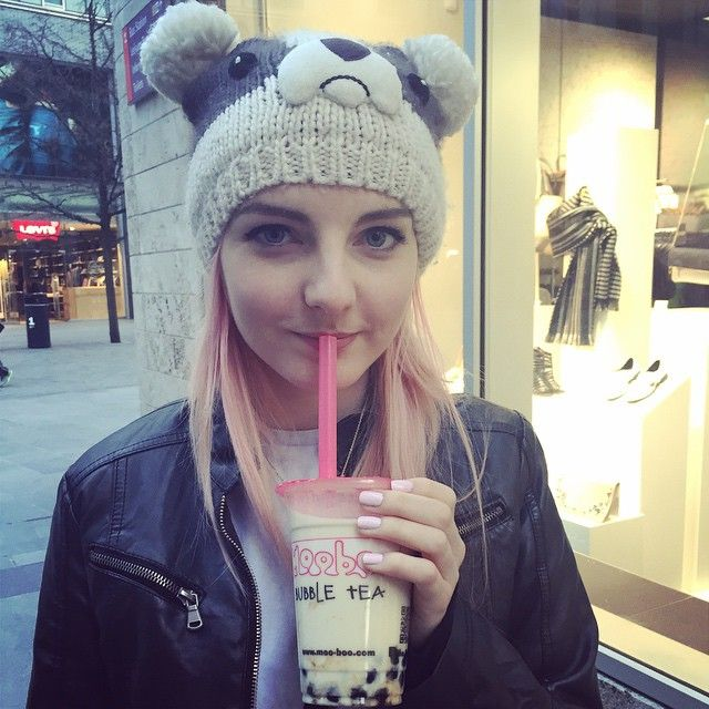 British Youtuber and gamer  Lizzie