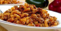 En l'honneur de toutes les mamans, je vous offre la meilleure recette de macaroni à la viande du monde... Celle de ma maman bien sûr! ;-)
