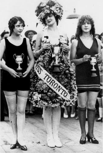 CCT0008 - First Annual Miss Toronto Beauty Contest at Sunnyside Beach, Toronto, Ontario 1926.