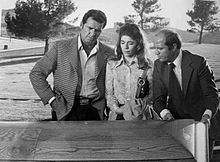 """""""Tall Woman in Red Wagon"""" episode of the Rockford Files."""