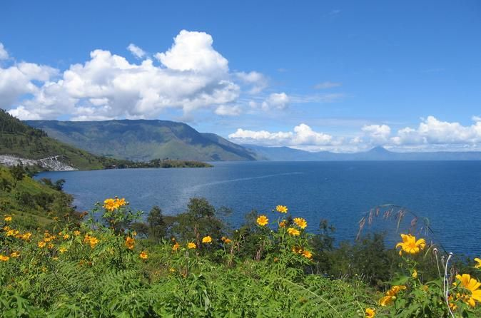 Private Tour: Karo Highlands and Lake Toba from Medan Experience a full-day sightseeing on this private tour from Medan. You will visit Brastagi in the Karo Highlands which has two active volcanoes being Sinabung and Sibayak.Visit the fruit market and traditional Karo Batak Village with authentic houses which are still occupied by 8 families before continuing onto Sipisopiso waterfall where you can enjoy the beautiful view of Lake Toba.You will be picked up from your accommod...