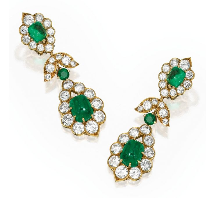 Lot 263 - PAIR OF 18 KARAT GOLD, EMERALD AND DIAMOND PENDANT-EARCLIPS, VAN CLEEF & ARPELS
