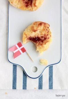 Dänische Plunder mit Cremefüllung / Danish Plunder with cream filling