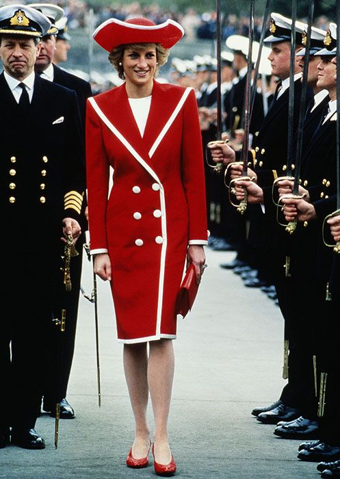 Diana with a Catherine Walker creation and a Philip Somerville hat at the Royal Naval Academy March, Devon 1989