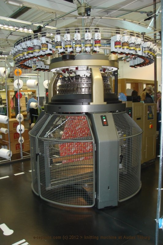 Circular knitting machine, TextielLab, Audax Textielmuseum Tilburg
