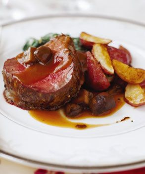 Beef Tenderloin with Mushrooms and Espagnole Sauce / Mikkel Vang