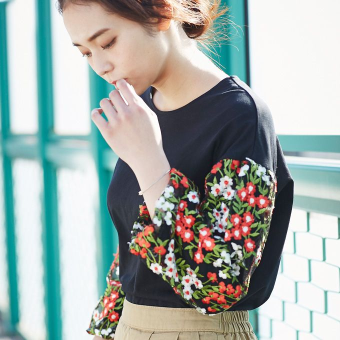 【Embroidery tops】レディース  刺繍 トップス
