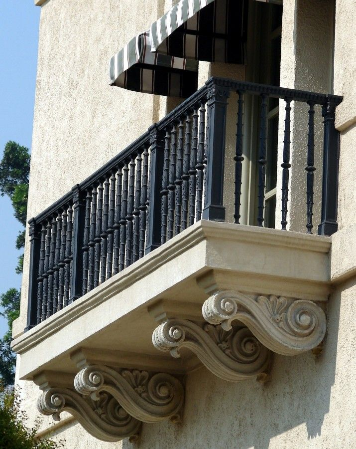 Classic Spindle Balcony Railing For This Cast Stone