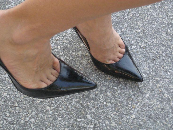 (100+) toe cleavage | Tumblr | hot shoe planet