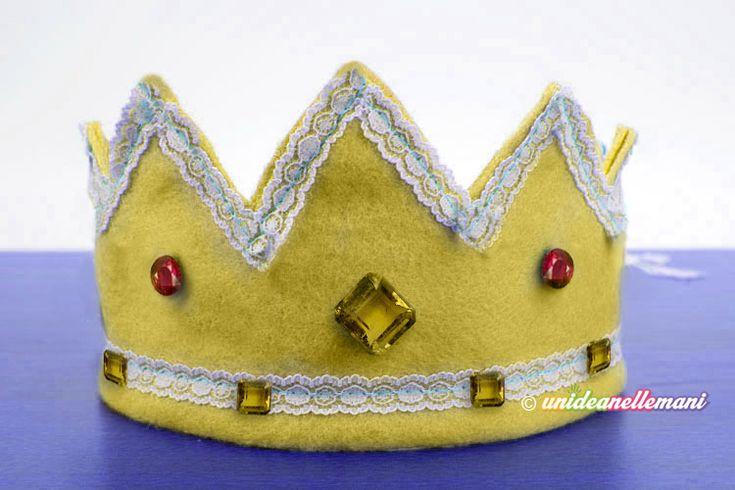 Tutorial con foto e spiegazioni per fare una corona da re e da regina, utile per carnevale, recite o come corone dei re magi. Con cartamodello da stampare.