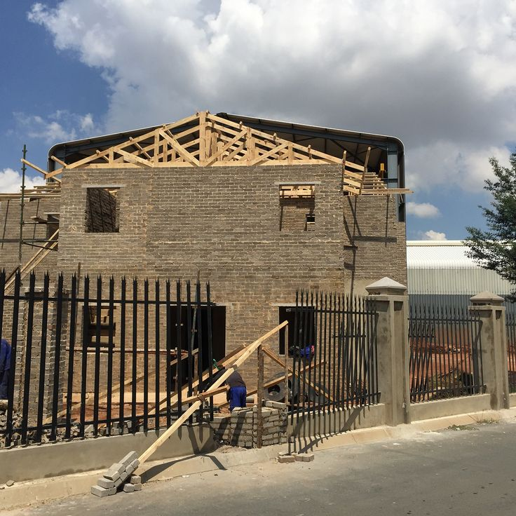 building superintendent resume%0A Putting up the trusses at PRS  Phase    for our clients Mr De Sousa and the  team at PRS  All work done by JS Gomes Construction  From start to finish  in all