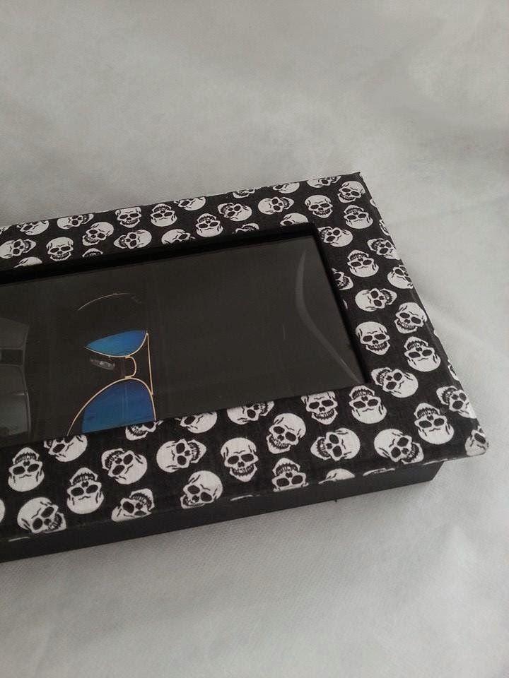 Arte l em casa caixa para culos com 6 div skulls - Casas embargadas la caixa ...
