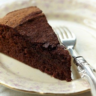 An unusual ingredient that adds depth & flavour to this flourless cake