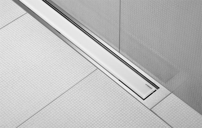 Shower with linear floor drain with frosted white glass. unidrain®: HighLine