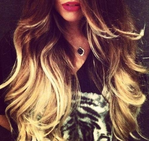 Big curly ombre hair & pink lips!