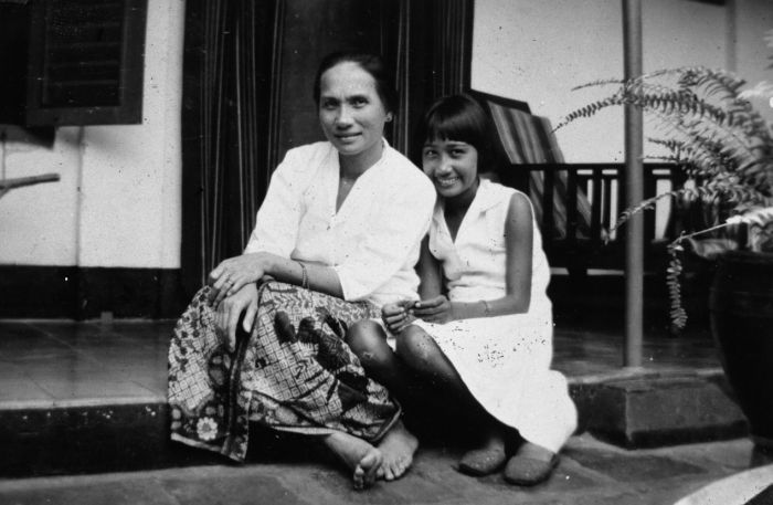 Perempuan Indo, Mevrouw Van Haverkamp dan putrinya. 1930-1950