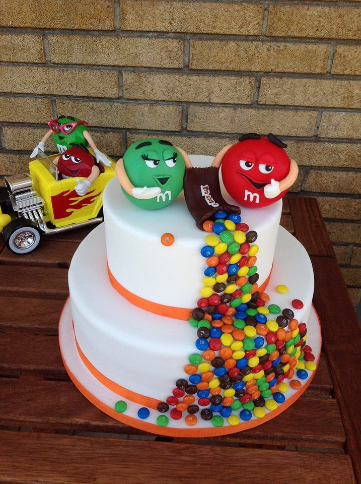 Torta Smarties Torte In Pasta Di Zucchero Pinterest