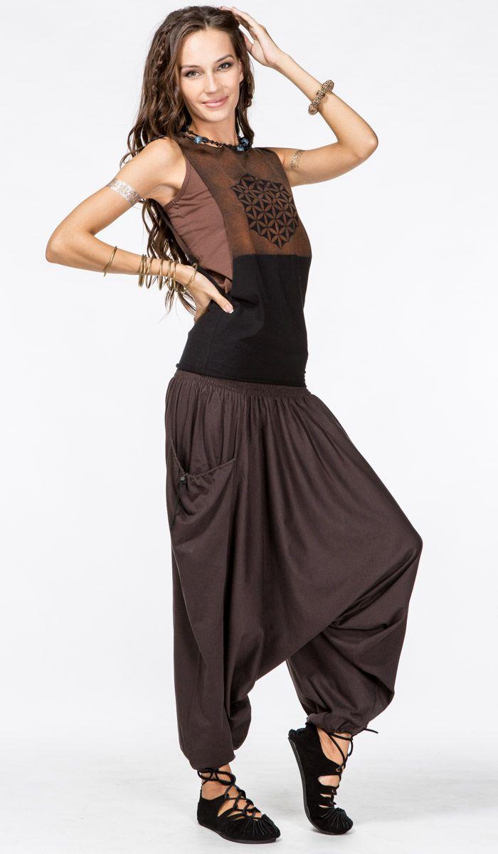 https://indiastyle.ru/pants-with-bunt/product/shtany-s-motnej-sharadha Штаны с мотней, индийские шаровары, восточные алладины коричневого цвета с карманами. Brown harem pants 1690 рублей