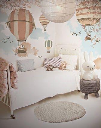 Applied Wallpaper | Little Hands