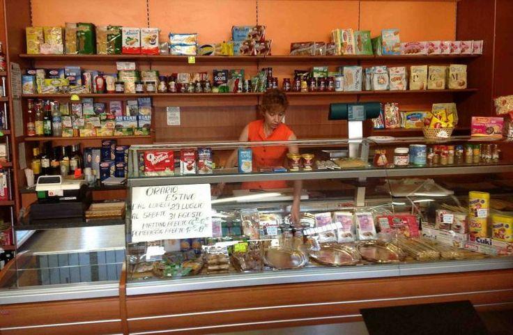 Commercio al dettaglio: Coldiretti, addio piccoli negozi di fiducia (-3%)
