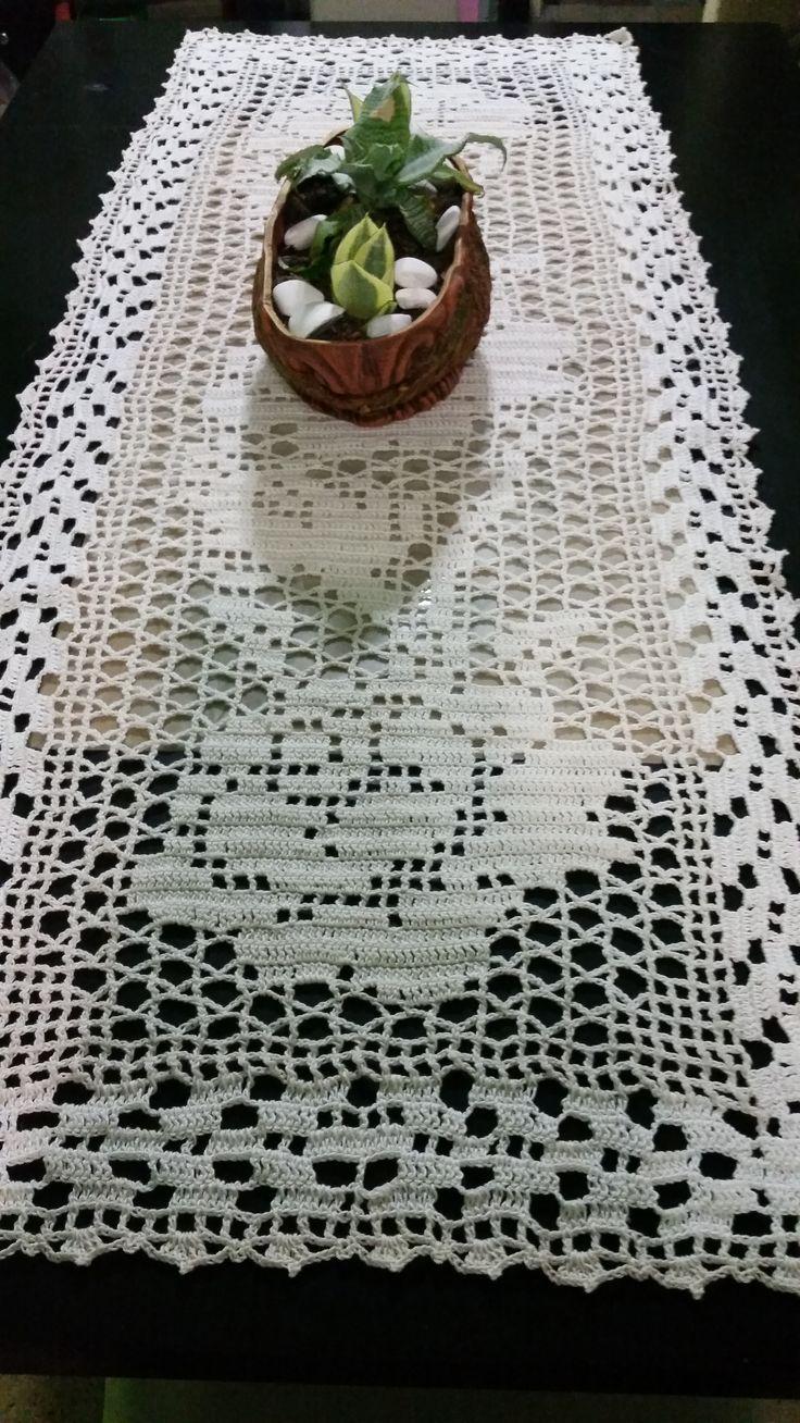 Camino de mesa de rosas, tejido con hilaza de algodón.